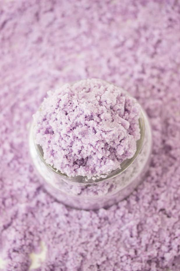 Everyone can use a little pampering once in awhile. These 17 homemade body scrub recipes are invigorating, restorative and will help to soften skin, leaving it smooth and silky. From helping our moisturizer absorb better, to increased relaxation, incorporating a body scrub into your shower routine, could be the best kept secret. Click to get the body scrub recipes.