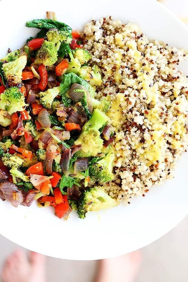 superfood-quinoa-bowl