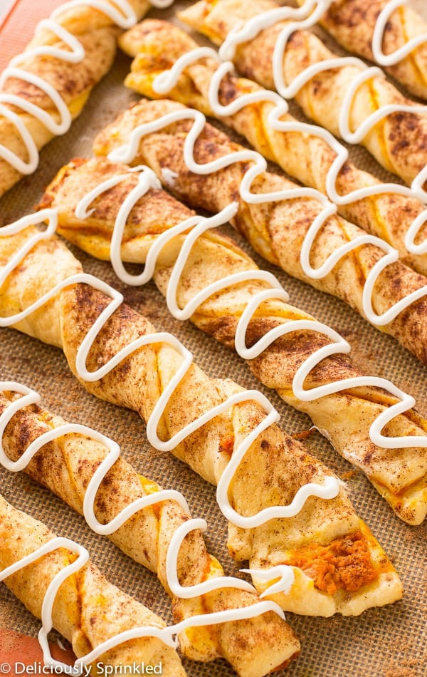 Pumpkin pie twists - These Fall recipes are perfect for the holidays and for any time you want to bring the delicious smells of apple, cinnamon, and pumpkin into your home. You're guaranteed to find a fall flavor you love with these 18 delicious fall dessert recipes.