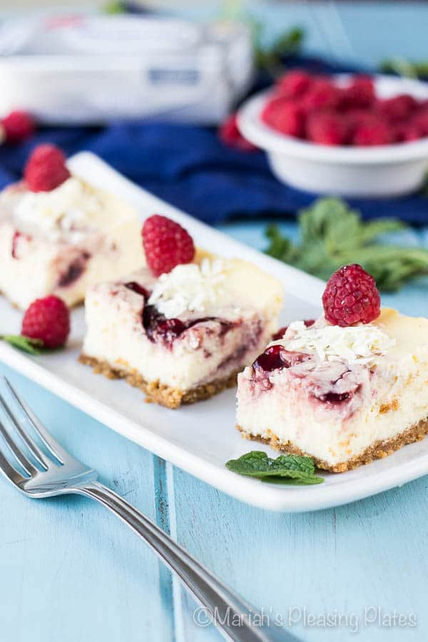 White Chocolate Raspberry Bars -Check out our list of 20 of the best easy desserts to feed a crowd. Be prepared for empty dishes and a round of applause when you bring one of these recipes to your next event.
