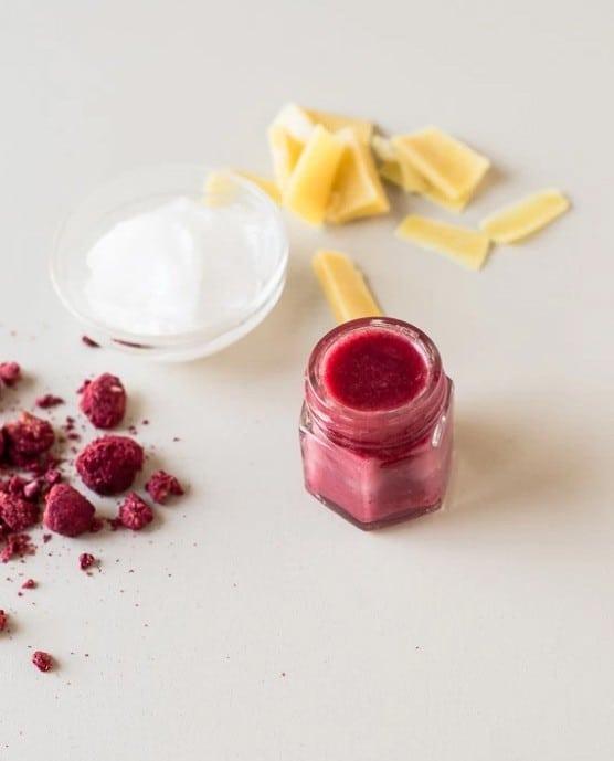 raspberry-lip-balm