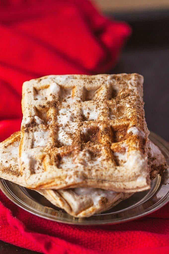 easy paleo dessert cinnamon roll waffles