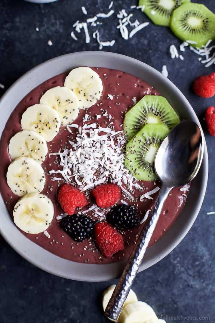 Banana Berry Smoothie Bowl - easy smoothie recipes