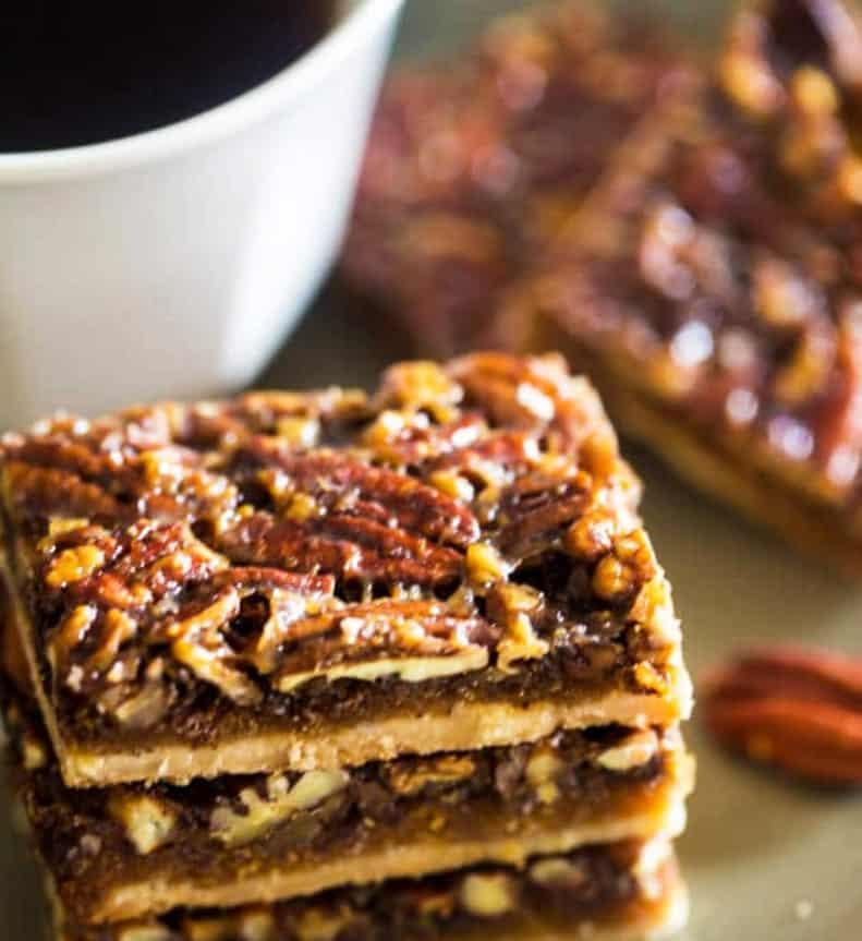 Vegan and Paleo Pecan Pie Bars - easy healthy desserts