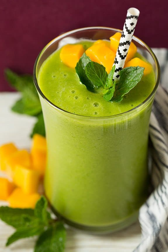 Mango Green Tea Smoothie - easy smoothie recipes