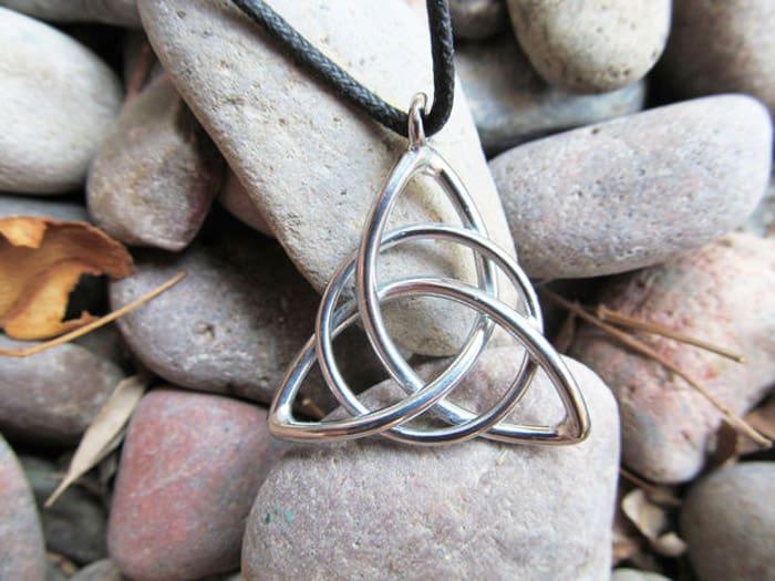 Celtic Triquetra Knot Pendant - celtic knot