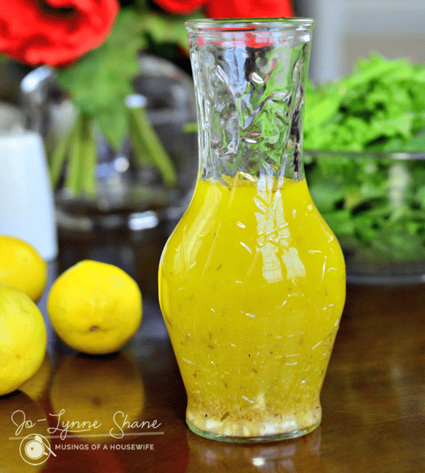 Easy Lemon Vinaigrette Salad Dressing - paleo salad dressing