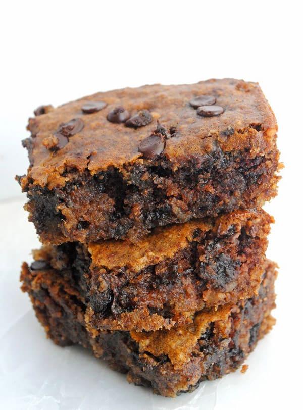 Chocolate Chip Almond Butter Bars - gluten-free desserts