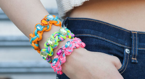 Half Hitch Knot Bracelet - easy DIY bracelets
