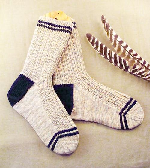 Knitting Socks Using Circular Needles : Sock knitting patterns for beginners using circular