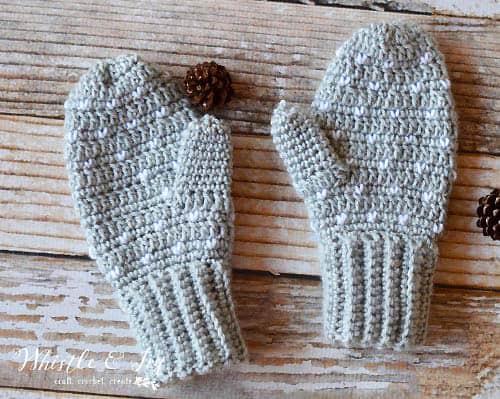 Snowfall - crochet mittens