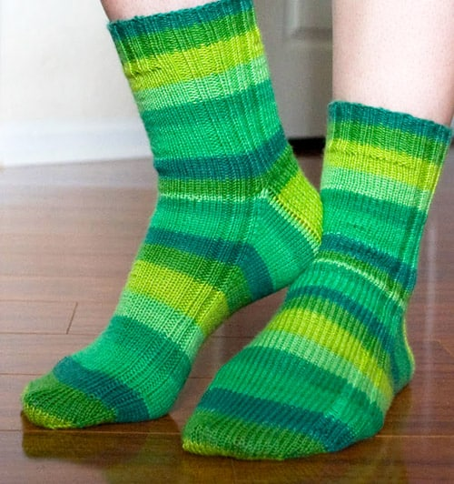 Knitting Socks For Beginners : Sock knitting patterns for beginners using circular