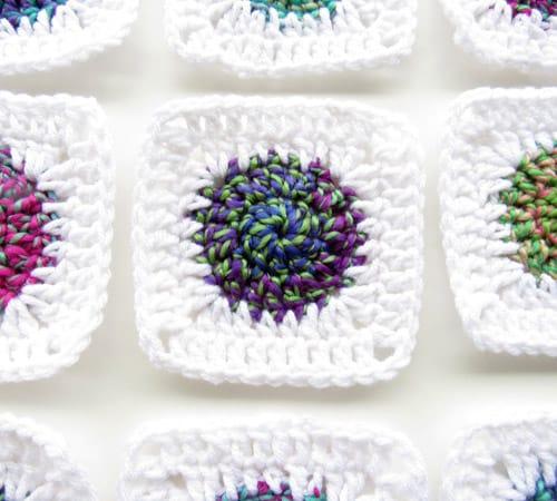 Sunburst Granny Square - easy crochet squares