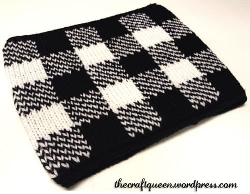 Gingham Neck Warmer - double knitting projects