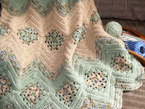 Grannies and Ripples - crochet baby blanket