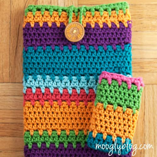 Ultimate Universal Electronics Cozy - quick crochet projects