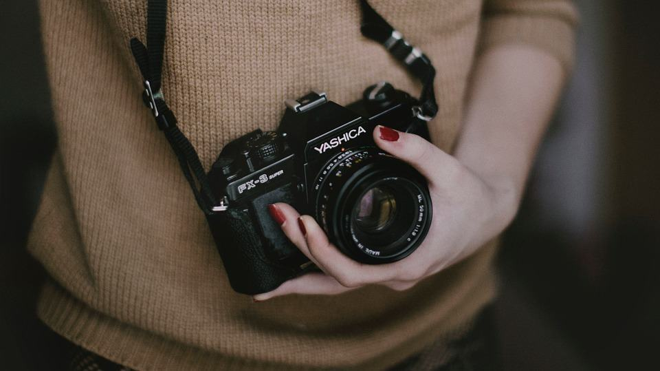Here are the 15 the best photography tips successful bloggers use to take their blog photos to the next level.